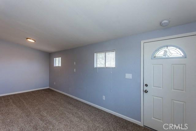 6625 Bartlett Drive, Phelan CA: http://media.crmls.org/medias/5efd2f46-e384-49b8-af70-f0452284d473.jpg