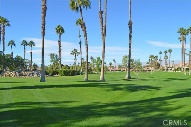 77827 Woodhaven N Drive, Palm Desert CA: http://media.crmls.org/medias/5f028ec6-41ee-4df2-8fd8-cad614b1df38.jpg