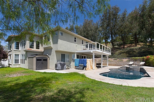 7111 Winterwood Lane, Highland CA: http://media.crmls.org/medias/5f2060fd-b510-4687-a05d-b76f67740fbf.jpg