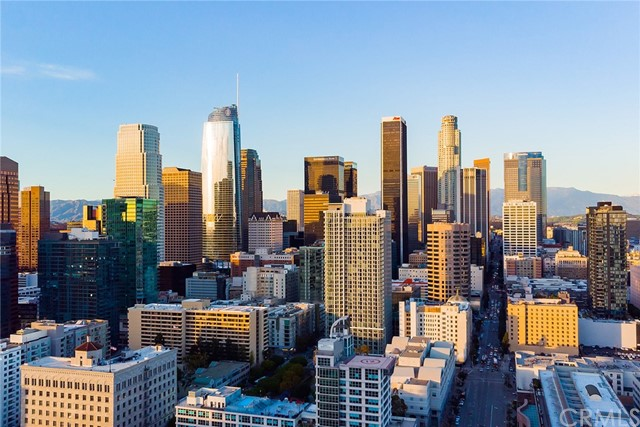1111 S Grand Avenue, Los Angeles CA: http://media.crmls.org/medias/5f21845d-841e-400f-85ba-eb3a811491ef.jpg