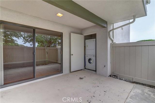8566 Van Ness Court, Huntington Beach CA: http://media.crmls.org/medias/5f3bf0fb-e210-48a6-a42e-69c2874f96e5.jpg