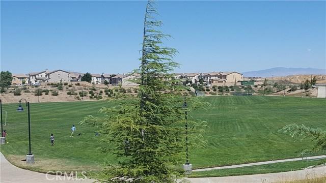2900 Crocus Place, Palmdale CA: http://media.crmls.org/medias/5f3e738d-083e-4d2e-8c38-50701f996053.jpg