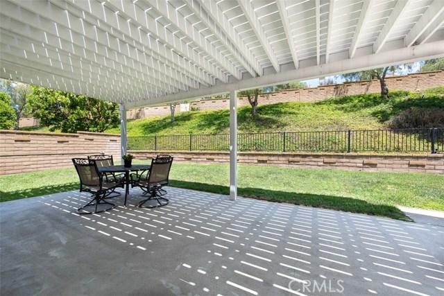 27766 Bahamonde, Mission Viejo CA: http://media.crmls.org/medias/5f40fbb7-4b5d-479f-b2c7-607833283fa6.jpg