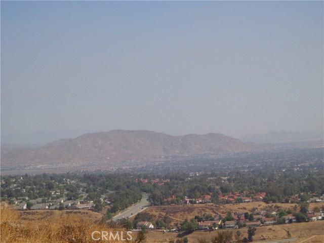 9325 JODEN RD, Moreno Valley CA: http://media.crmls.org/medias/5f431589-c487-45e6-b973-a5f2769be5e7.jpg