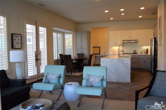 91 Shoreline Drive, Rancho Mirage CA: http://media.crmls.org/medias/5f4e246b-82cc-4c1c-9b55-331dabd4e122.jpg
