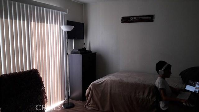 2047 Pandora Way, Pomona CA: http://media.crmls.org/medias/5f544289-4ee2-4f32-b25e-f68d6ff7dcb2.jpg