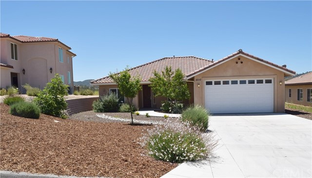 2210 Holly Drive, Paso Robles, CA 93446