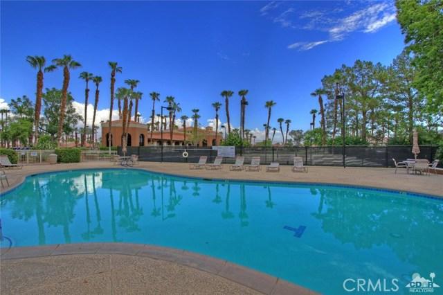 42170 Sand Dune Drive, Palm Desert CA: http://media.crmls.org/medias/5f5ec8ac-bb34-4e67-8f72-de625d8b9e93.jpg