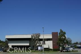Oficinas por un Venta en 3111 W Orange Avenue Anaheim, California 92804 Estados Unidos