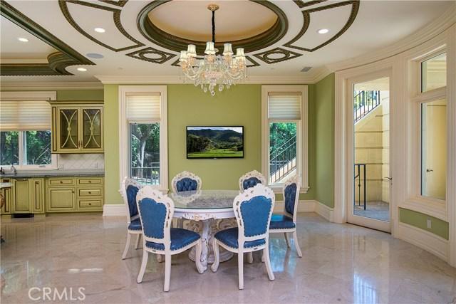 165 Circle Drive, Bradbury CA: http://media.crmls.org/medias/5f6bacb5-7284-4aa4-9c0d-2547701ca670.jpg
