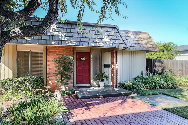 Townhouse for Sale at 10110 Fall River Court Fountain Valley, California 92708 United States