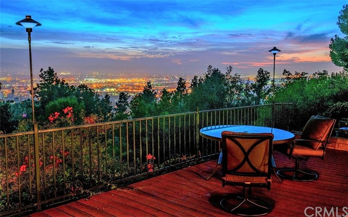 Single Family Home for Sale at 3016 Mesa Verde Drive 3016 Mesa Verde Drive Burbank, California 91504 United States
