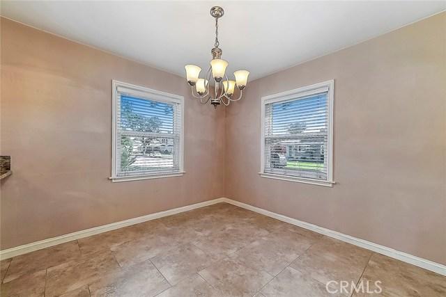 3753 Petaluma Avenue, Long Beach CA: http://media.crmls.org/medias/5f7bca45-e9df-45b9-856e-a399d18827cf.jpg