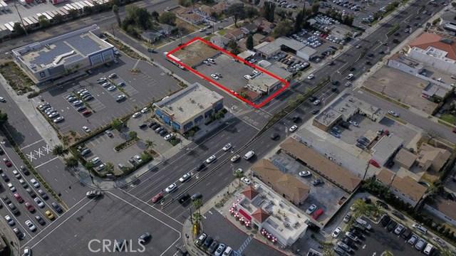 8740 Firestone Boulevard, Downey CA: http://media.crmls.org/medias/5f7cfeb1-bbc4-42f4-ab6c-99b40feb0f92.jpg