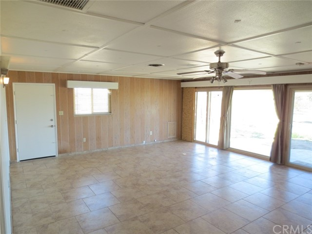 59510 Sunflower Drive, Yucca Valley CA: http://media.crmls.org/medias/5f7df34e-4ac9-4b25-a073-836246115516.jpg