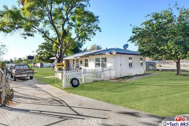 7220 Sterling Avenue, San Bernardino, California 92404, 2 Bedrooms Bedrooms, ,2 BathroomsBathrooms,Residential,For Sale,Sterling,320004789