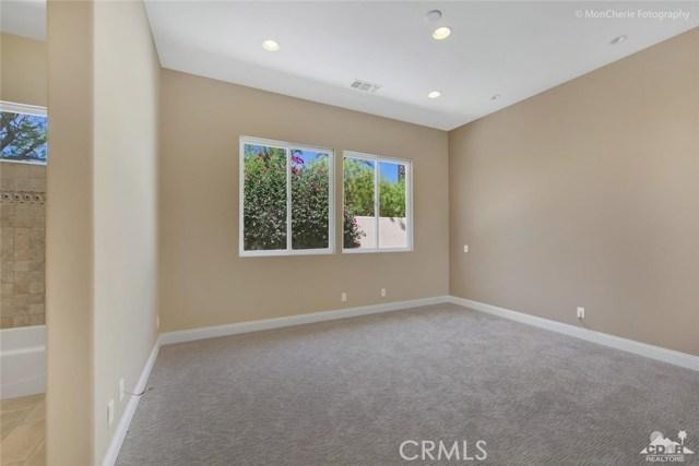 5 Via Bella, Rancho Mirage CA: http://media.crmls.org/medias/5f89e6ef-af0a-479b-a82e-8b78686a6ed7.jpg