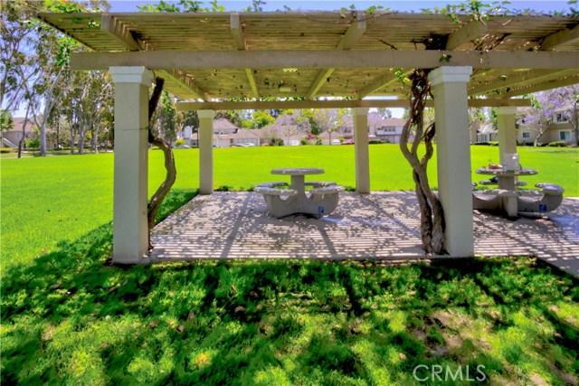 121 Greenfield, Irvine CA: http://media.crmls.org/medias/5f9d51e4-e61d-469a-a395-99014139785e.jpg