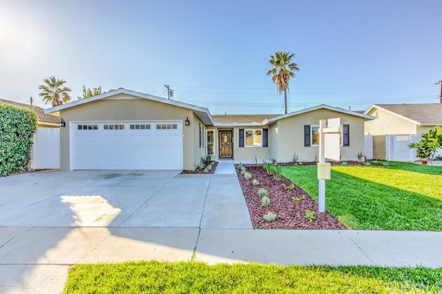 Single Family Home for Sale at 15531 Mayflower St Huntington Beach, California 92647 United States