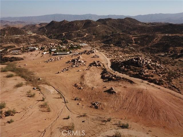 25050 El Toro Road, Perris CA: http://media.crmls.org/medias/5fb23f3e-068d-40f0-bcd8-8cbc4a7a3c6a.jpg