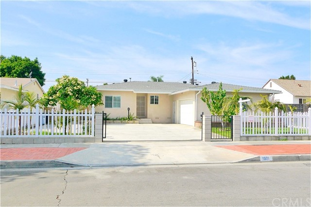 Single Family Home for Sale at 1501 Roosevelt Avenue S Fullerton, California 92832 United States