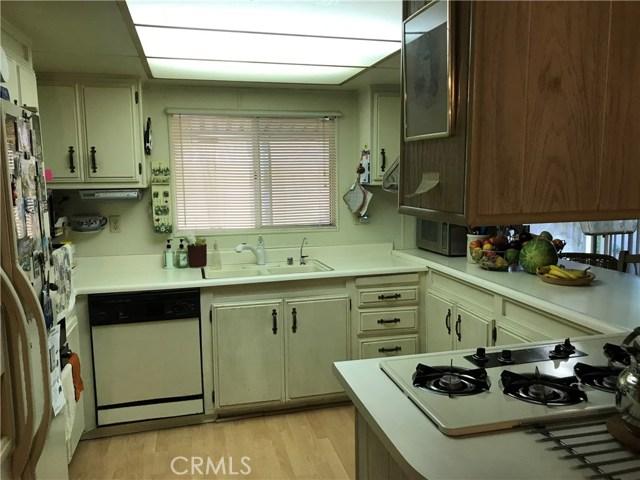 4901 Green River Road, Corona CA: http://media.crmls.org/medias/5fe34040-a859-476d-8ab1-359b2262e9bd.jpg