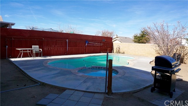 13656 Summit View Street Hesperia, CA 92344 - MLS #: EV18078450