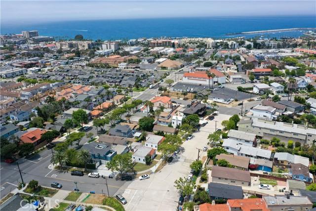 703 -705 El Redondo Avenue, Redondo Beach CA: http://media.crmls.org/medias/5fea4d62-df51-49bd-8151-099d8e0d5c0f.jpg
