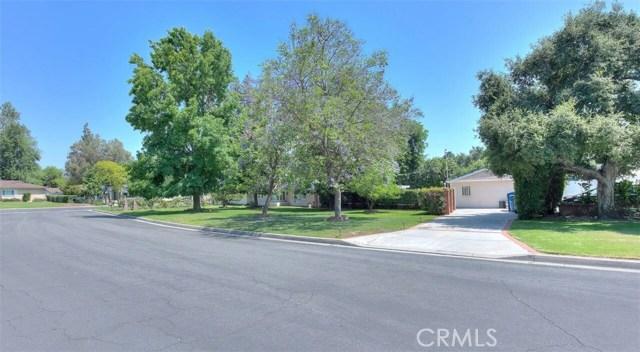 3670 Lombardy Road, Pasadena CA: http://media.crmls.org/medias/5fec5af3-e092-40cf-8250-5f13d0c53653.jpg