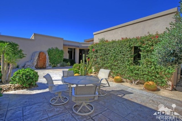428 Morning Dove, Palm Desert CA: http://media.crmls.org/medias/5ff679ec-6bde-4b05-b283-f2973fbc4651.jpg