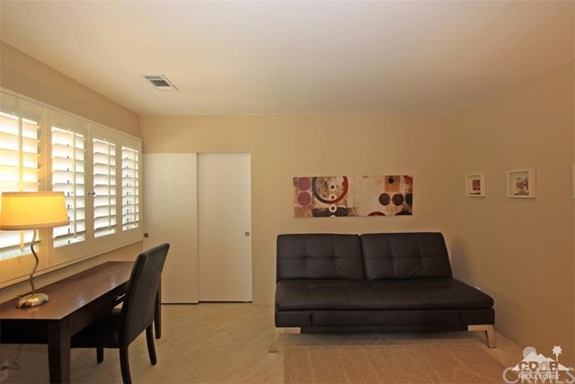 75 Augusta Drive, Rancho Mirage CA: http://media.crmls.org/medias/60011de0-54e6-462e-9307-25bba5ae8d4b.jpg