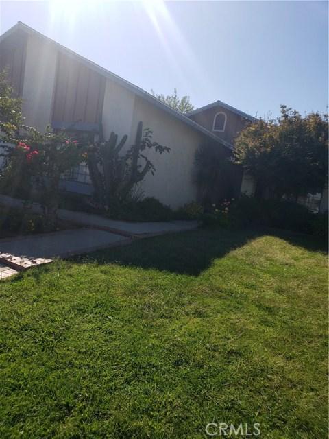 13815 Pheasant Knoll Lane, Moreno Valley CA: http://media.crmls.org/medias/6005e177-e9f3-4d1b-a6d5-19ab73af73cd.jpg