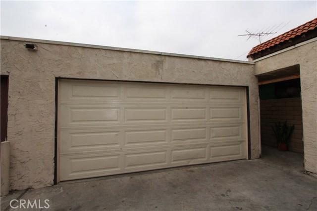 5951 Corona Avenue, Huntington Park CA: http://media.crmls.org/medias/600de098-b849-4ef9-847f-71bccfe58445.jpg