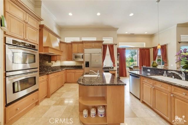 21 Toscana Way, Rancho Mirage CA: http://media.crmls.org/medias/6017859b-e143-4d03-b298-ab76a3d25f0b.jpg