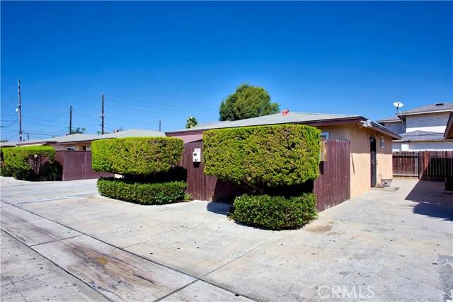 2077 Wallace Avenue, Costa Mesa CA: http://media.crmls.org/medias/6023c11b-d1bf-4785-92f3-0a824c8cb9b7.jpg