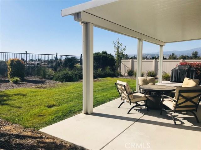 1322 Pinehurst Drive, Calimesa CA: http://media.crmls.org/medias/6039924a-aeaa-41e2-b575-96ee0a0c76a7.jpg