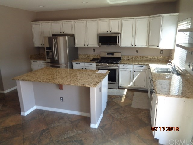 31772 Sorrel Run Court, Menifee CA: http://media.crmls.org/medias/6054c6cd-4333-4a96-aa10-618edc9a25aa.jpg