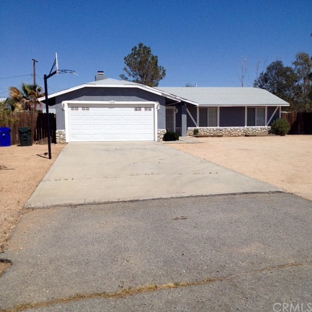 Single Family Home for Rent at 10793 Cochiti Road Apple Valley, California 92308 United States