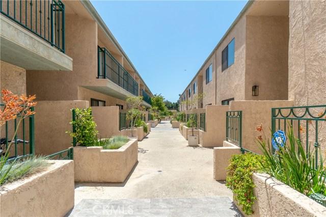 2491 Purdue Avenue, West Los Angeles CA: http://media.crmls.org/medias/605c2c31-11d7-4545-ac25-6ee278c81b5e.jpg