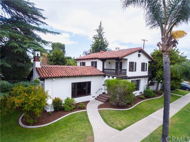 Single Family Home for Sale at 1816 Heliotrope Drive N Santa Ana, California 92706 United States