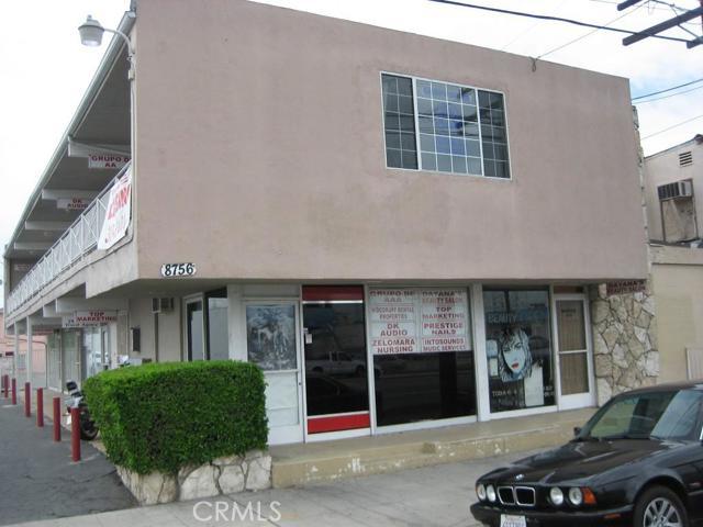 8756 Artesia Boulevard, Bellflower CA: http://media.crmls.org/medias/6065f8af-98c5-4d44-980e-d96fcccc9615.jpg