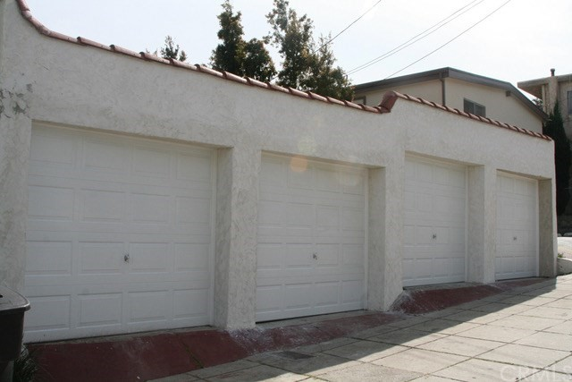 2652 7th Street, Santa Monica CA: http://media.crmls.org/medias/606600a4-b769-4b33-aab2-b206f3c0179e.jpg