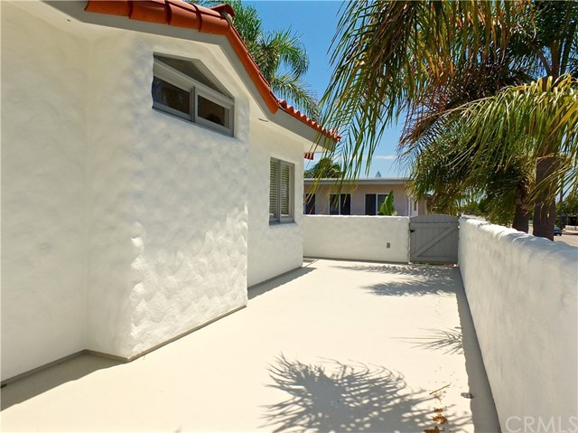 5297 Appian Way, Long Beach CA: http://media.crmls.org/medias/606a63b8-1950-4825-b816-8395f191d847.jpg