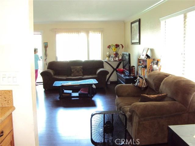 2231 Santa Fe Avenue Unit 13 Long Beach, CA 90810 - MLS #: PW17209687