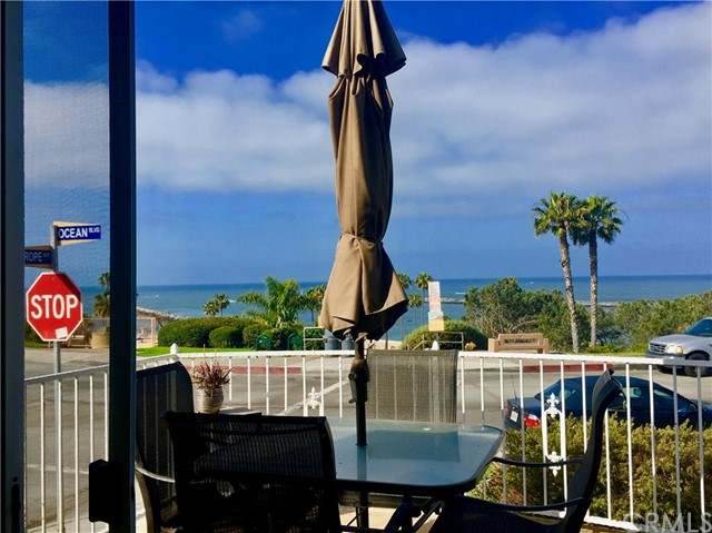 2828 Ocean Boulevard, Corona del Mar CA: http://media.crmls.org/medias/606bae5e-dea6-45b3-8c02-1d174c1a2a5f.jpg