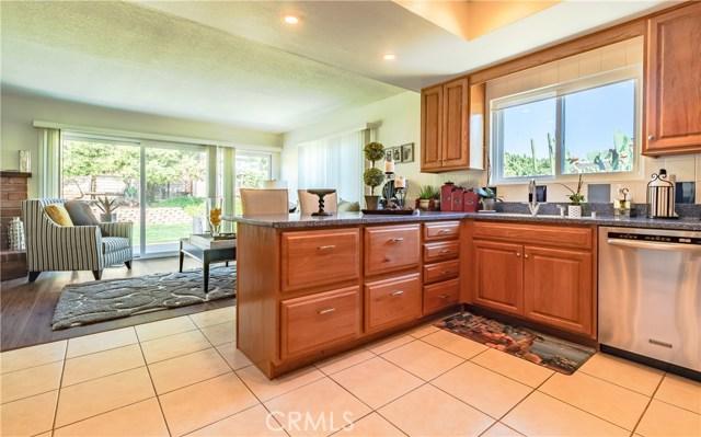 1237 Oak Mesa Drive, La Verne CA: http://media.crmls.org/medias/606bf2c5-2000-479d-8b02-3c2c09631d43.jpg