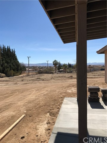 18737 Munsee Road Apple Valley, CA 92307 - MLS #: TR18032092