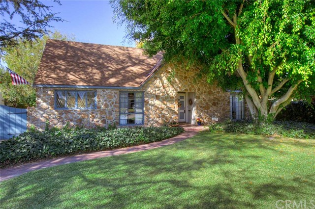 Single Family Home for Sale at 2218 North Ross St 2218 Ross Santa Ana, California 92706 United States