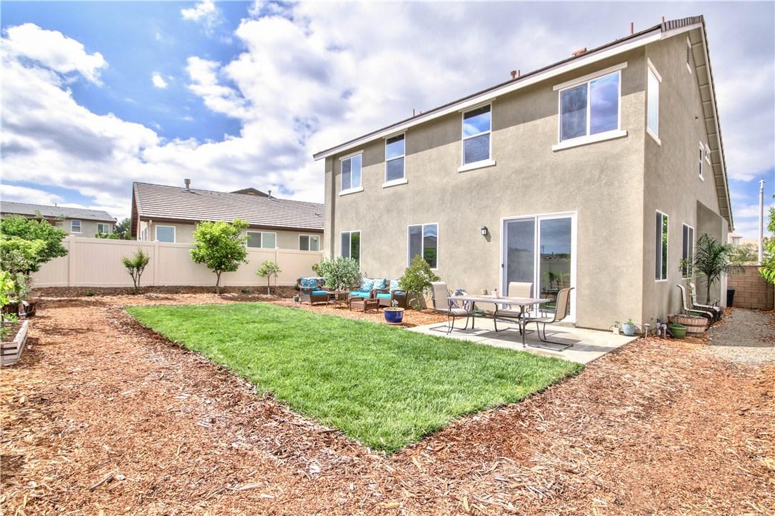 38162 Summer Ridge Drive, Murrieta CA: http://media.crmls.org/medias/607e2e7c-d4a4-45f8-8685-e0d54551d9b2.jpg