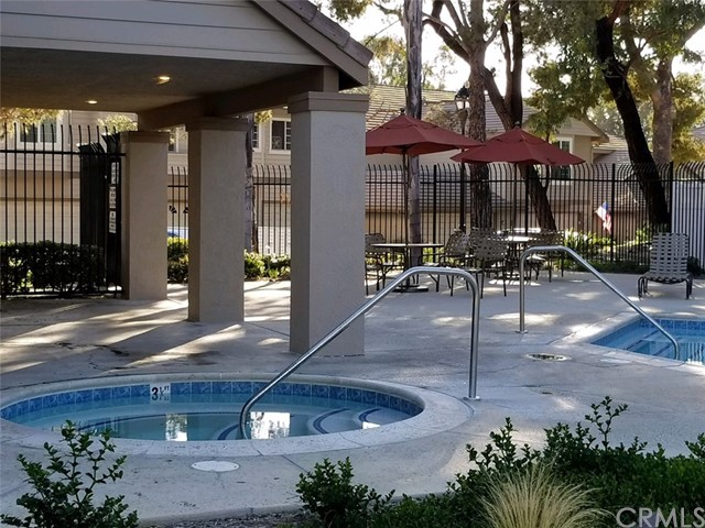 24308 Sage Court, Laguna Hills CA: http://media.crmls.org/medias/6088f53f-ee7e-43c2-ab60-f402f65107c9.jpg